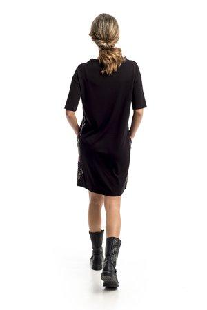 Mamatayoe Monts Guéret Dámské šaty čierna