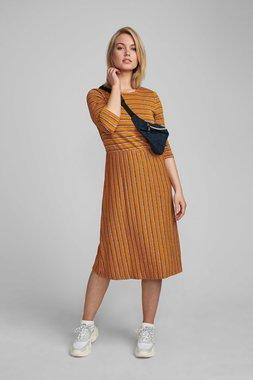 Nümph 7420815 NUBUNTY Dámské šaty 5013 BUCK BROWN hnědá