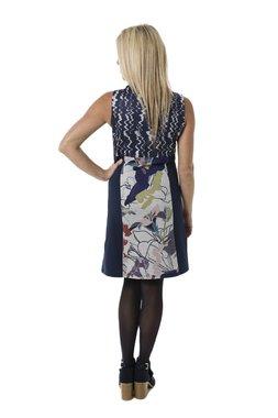 Smash JOHANNA krátké šaty bez rukávu tmavě modré se vzorem